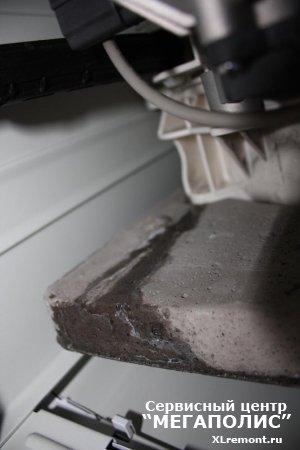 Как поступать, когда стиральная машинка подтекает